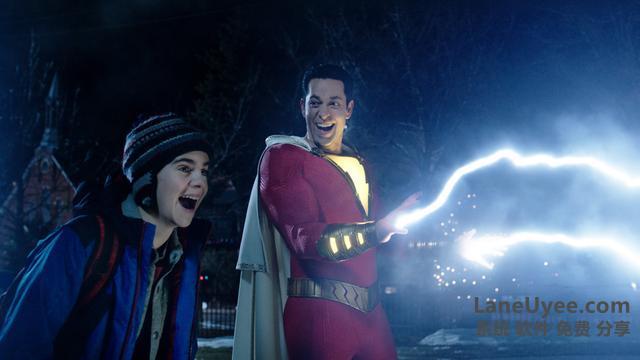 横跨漫威与DC,这位中二超级英雄当年差点演了星爵